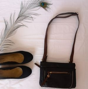 Handbags - 🎉 4 for 25 🎉 Black and brown purse